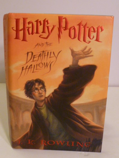 Harry Potter And The Deathly Hallows. J. K. Rowling.